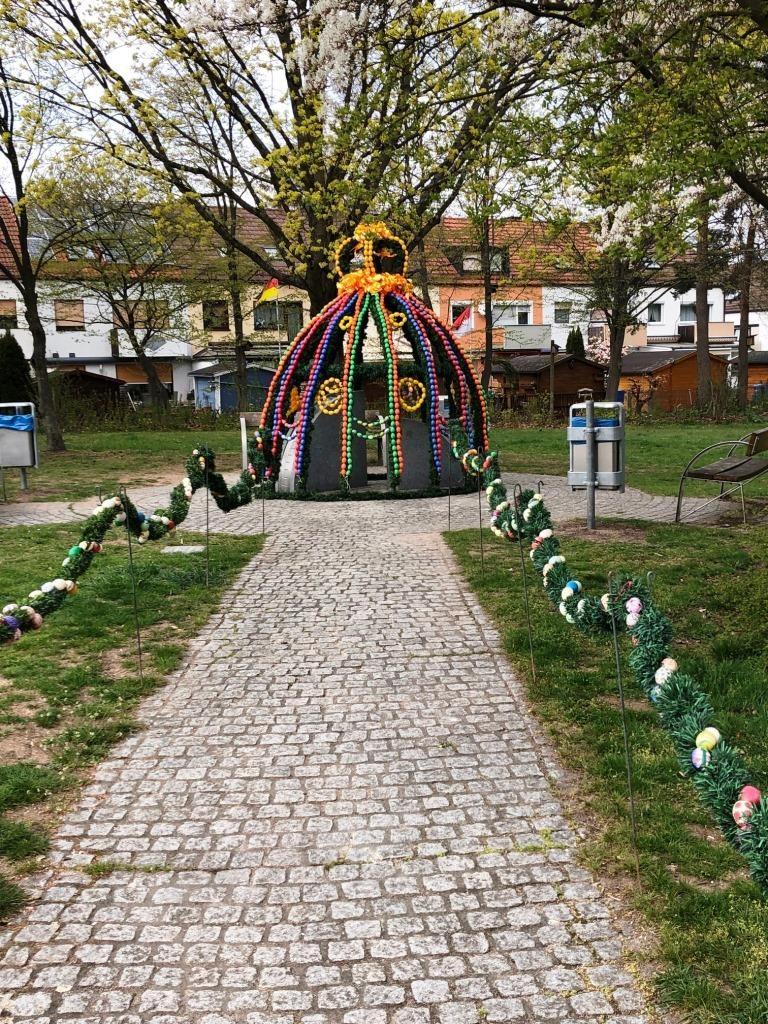 Osterbrunnen Moorenbrunn